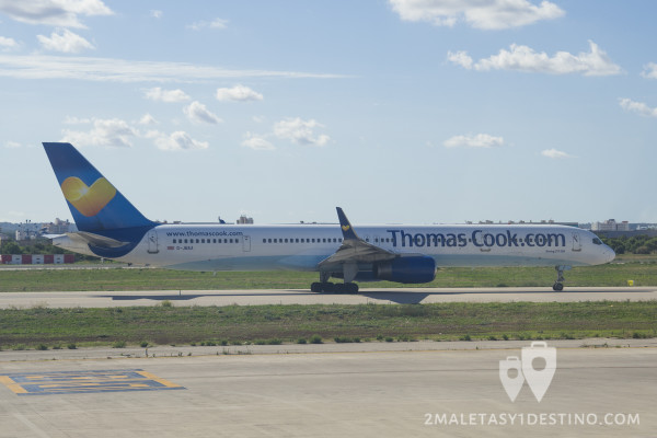 Boeing 757-3CQ (G-JMAA) Thomas Cook Airlines