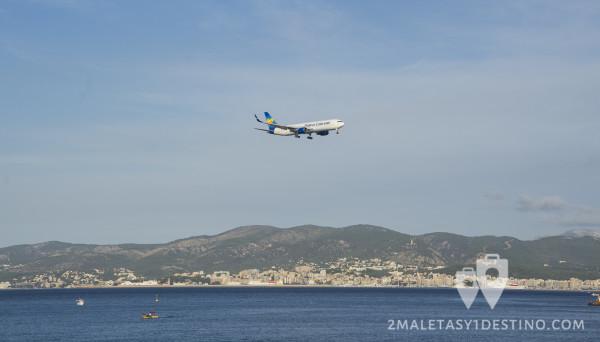 Boeing 767 aterrizando en Mallorca