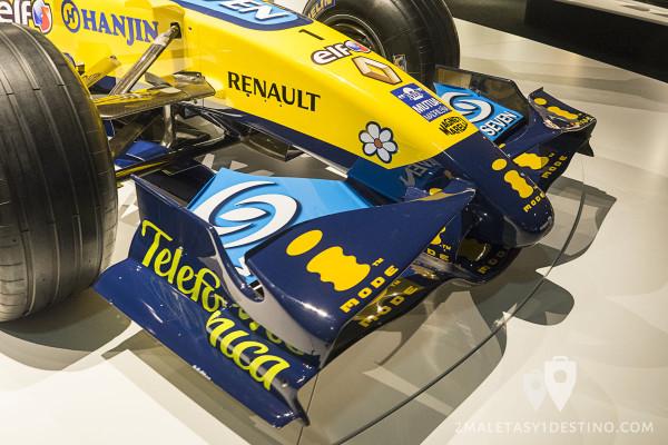 Alerón delantero Renault R26