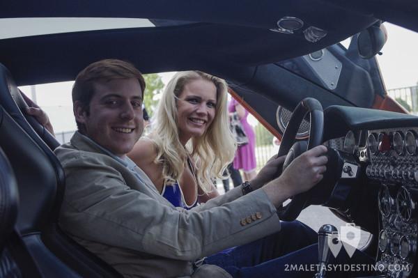 Alfonso Eguino conduciendo Spyker C8 Aileron