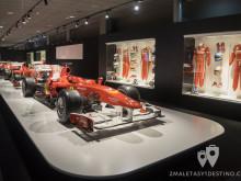 Ferrari y monos de Fernando Alonso