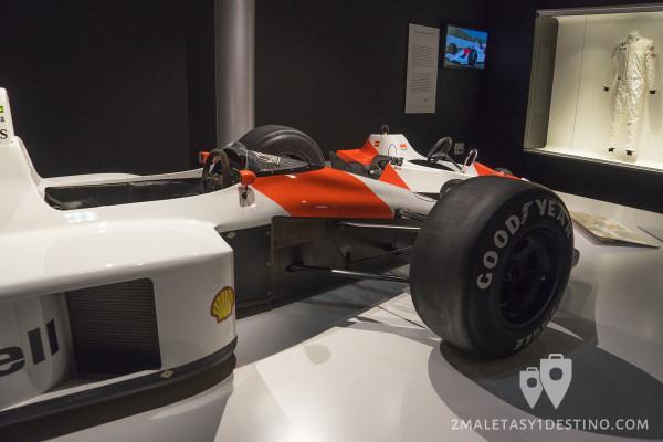 Lateral del McLaren MP 4/4