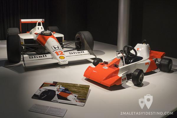 McLaren MP 4/4 y Kart Malboro de Fernando Alonso