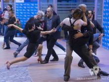 Tango en el stand de Argentina
