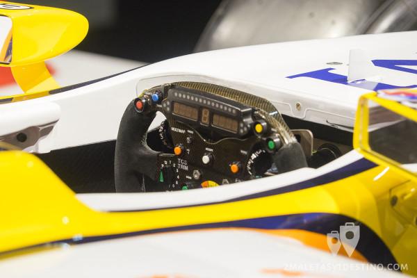 Volante del Renault R28