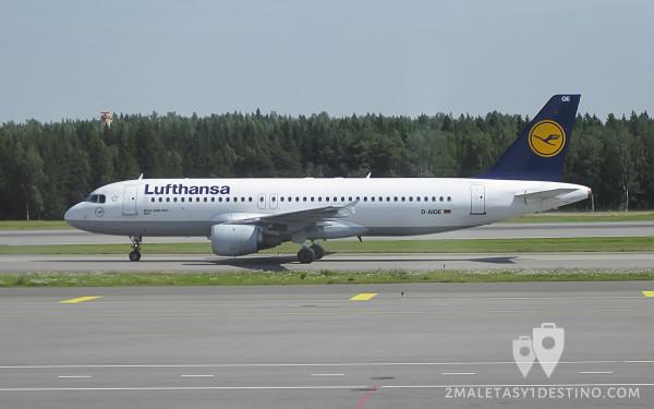Airbus A320-200 (D-AIQE) Lufthansa