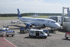 Embraer ERJ-190 (OH-LKG) Finnair en plataforma