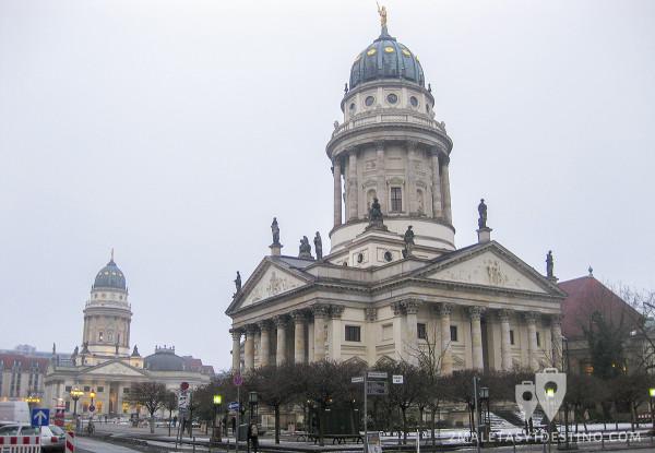 Französischer Dom y Deutscher Dom, iglesias gemelas en Gendarmenmarkt