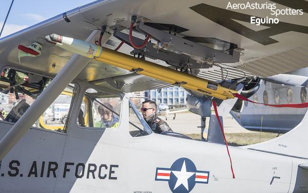 Misiles del Cessna L-19 Bird Dog