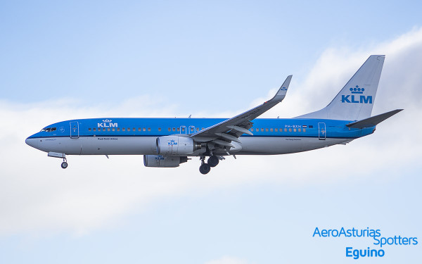 Boeing 737-8K2 (PH-BXH) KLM Royal Dutch Airlines