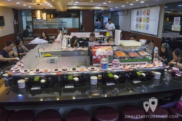 Interior del Sushi Express