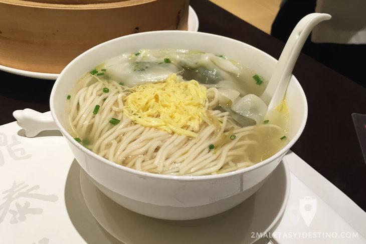 Sopa de noodle con Wonton
