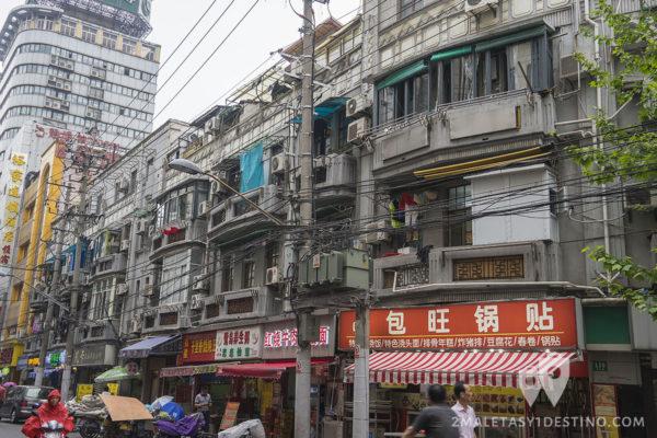 Tendido eléctrico en las calles de China