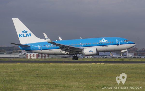 Boeing 737-7BK (PH-BGR) KLM Royal Dutch Airlines