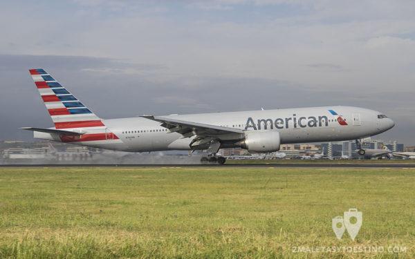 Boeing 777-223ER (N762AN) American Airlines