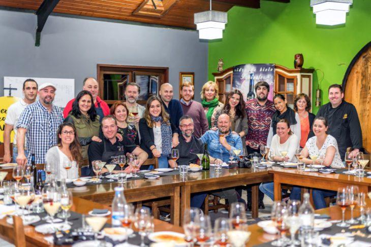 Bokaos con sentimientu - Foto de grupo con Sidra Panizales y Quesos Elvira García