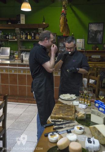 Quesos Elvira García - Catando queso