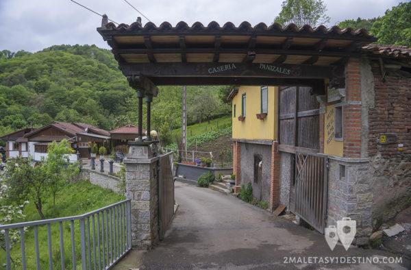 Sidra Panizales - Sidrería entrada