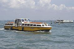 Barco de Alilaguna, Vaporetto y taxis