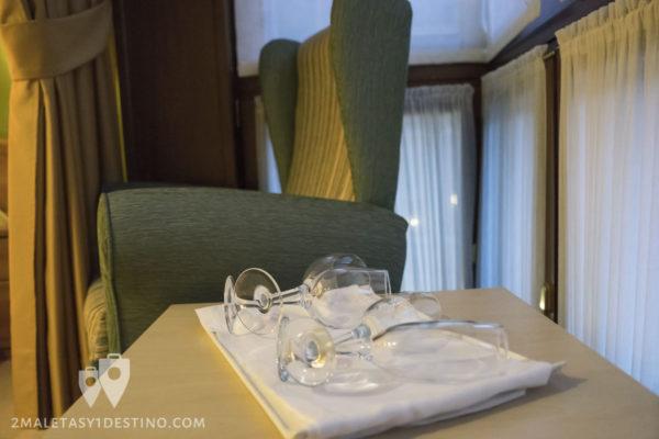 Gran Hotel Rural Cela - habitación detalle copas