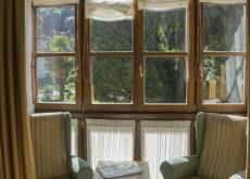 Gran Hotel Rural Cela - habitación sillones galería