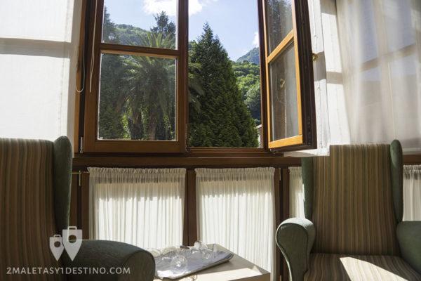 Gran Hotel Rural Cela - habitación sillones ventana