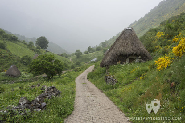 Ruta Braña La Pornacal - Somiedo - Teitos camino