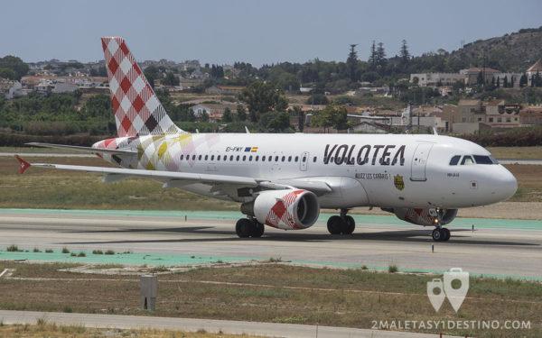 Airbus A319-111 (EI-FMY) Volotea