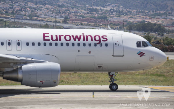 Airbus A320-214(SL) (D-AEWC) Eurowings cabina