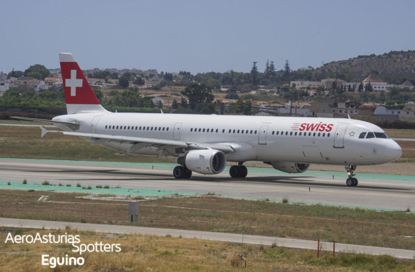 Airbus A321-111 (HB-IOK) Swiss International Air Lines