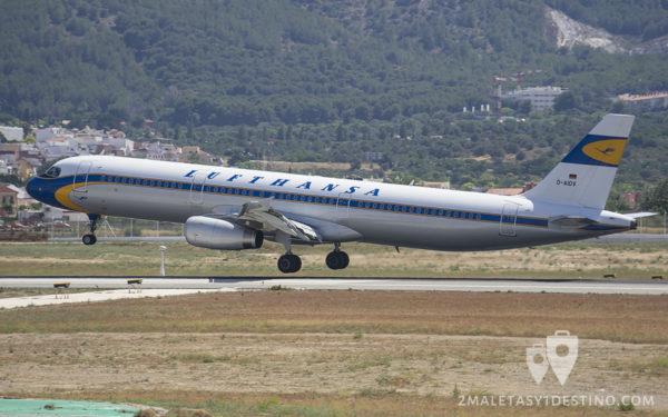 Airbus A321-231 (D-AIDV) Lufthansa