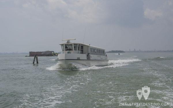 Barco en Venecia