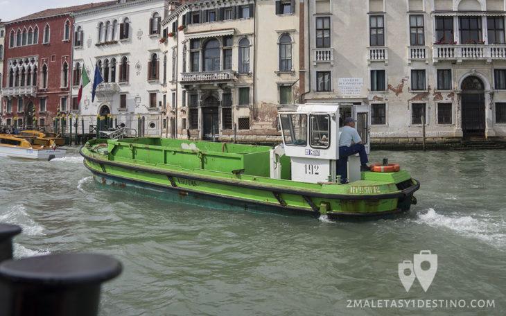 Barco de transporte de mercancías
