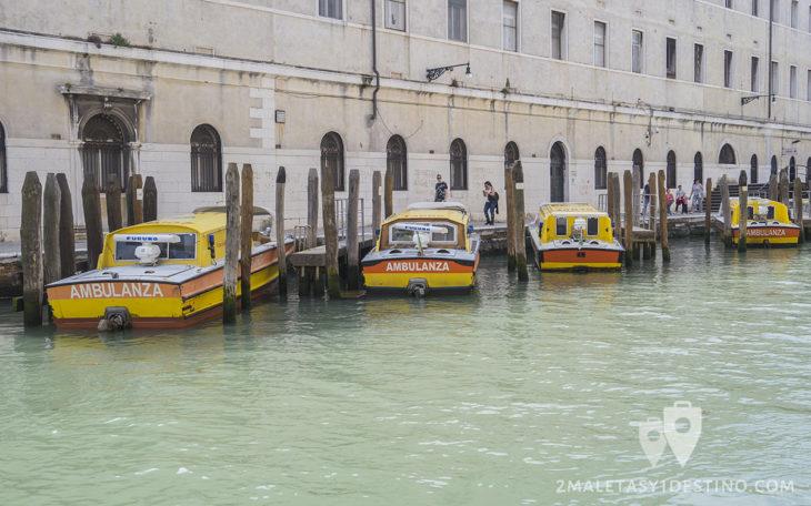 Barcos ambulancia en el Ospedale SS. Giovanni e Paolo