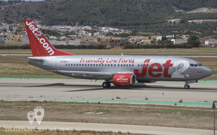 Boeing 737-377 (G-CELA) Jet2