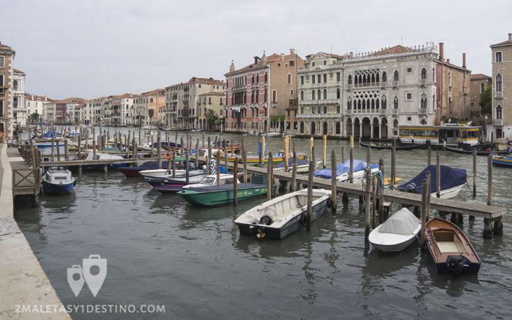 Chalanas en Venecia