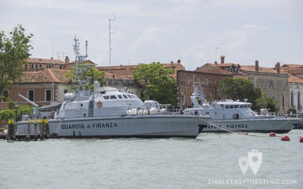 Barcos de la Guardia di Finanza