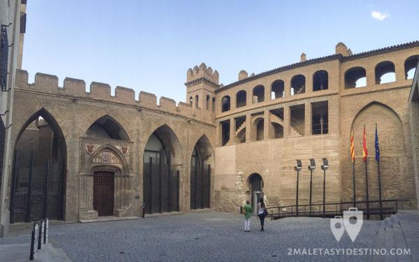 Patio interior del Palacio de la Aljaferia