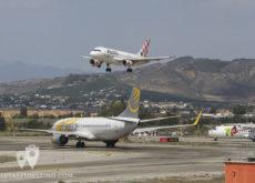 Primera Air Boeing 737, ATR 72 TAP Portugal y Volotea A319 aterrizando