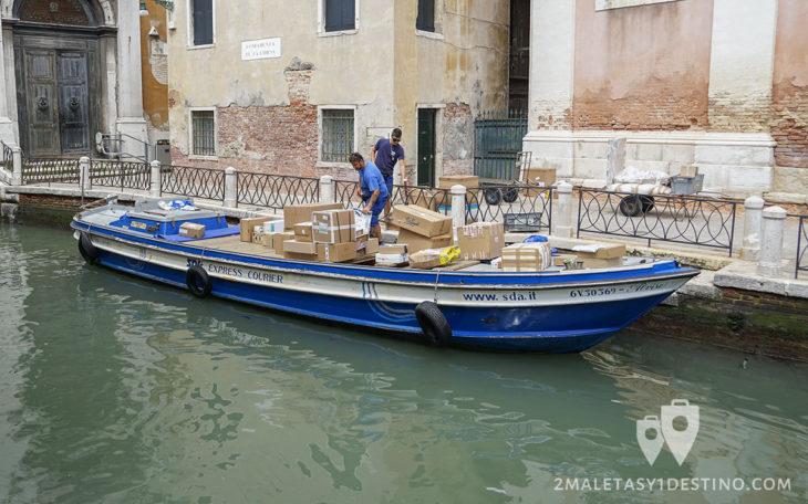 SDA Express Courier, barco de transporte en Venecia