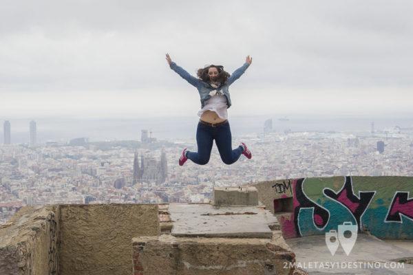 Búnkers del Carmel - Vanina saltando