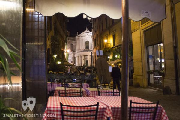 Vistas a Santa María della Pace desde Antico Caffé della Pacce