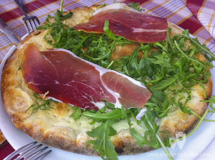 Pizza Rughetta en el Ristorante Luzzi