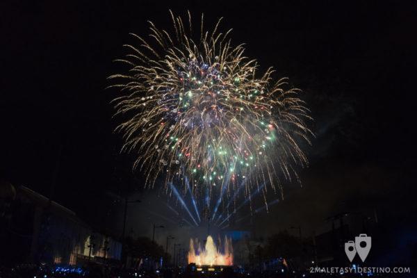 Fuegos artificiales del Espectáculo Piromusical de las Fiestas de la Mercè (Barcelona)