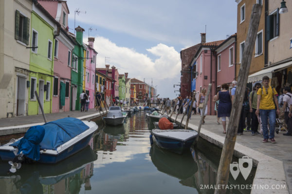 Canales de Burano en Venecia