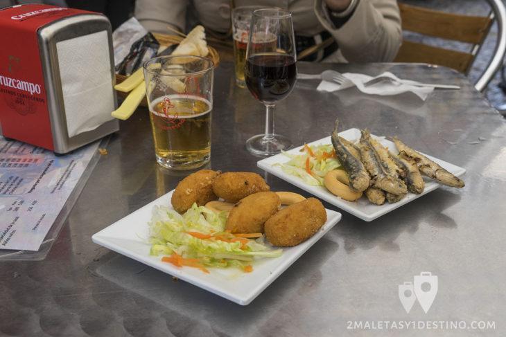 Croquetas y boquerones fritos - Bar La Cantina