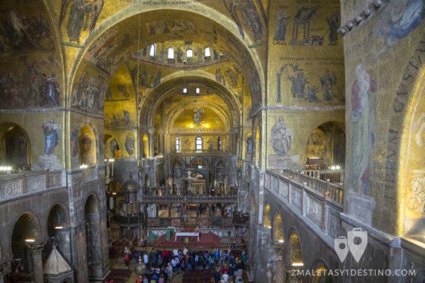 Interior de la Basílica de San Marcos en Venecia