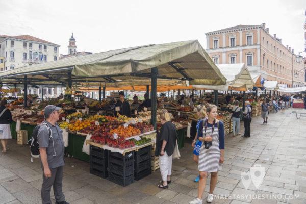 Mercado de Rialto en Venecia