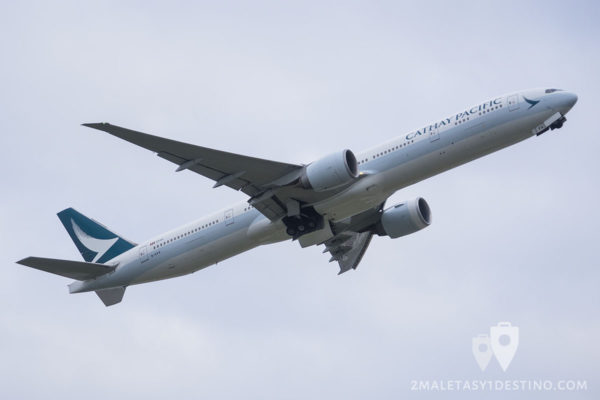 Boeing 777-367(ER) (B-KPQ) Cathay Pacific Airways