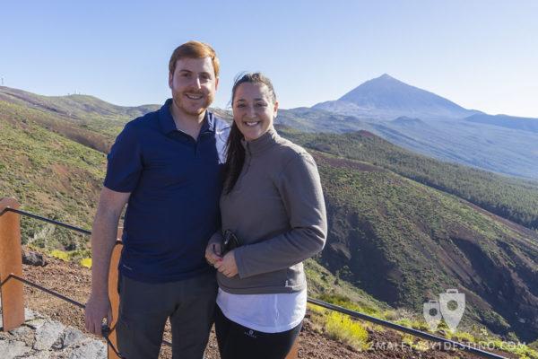 Alfonso Eguino y Vanina Posada con el Teide al fondo